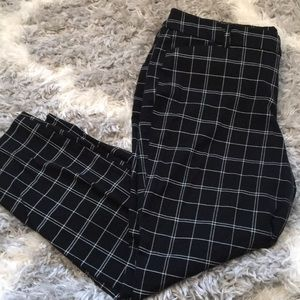Black and White Cropped Pant